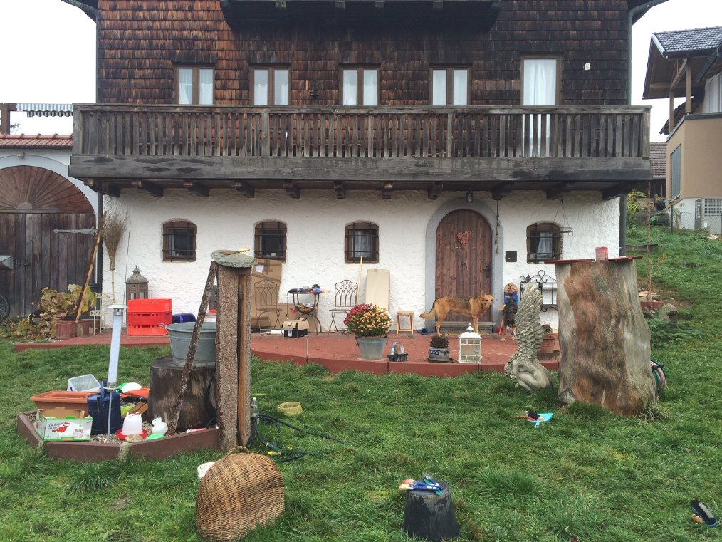 Einfamilienhaus mit 2900 m² Garten in traumhafter Lage, nur 17 km von Burghausen (Oberösterreich)